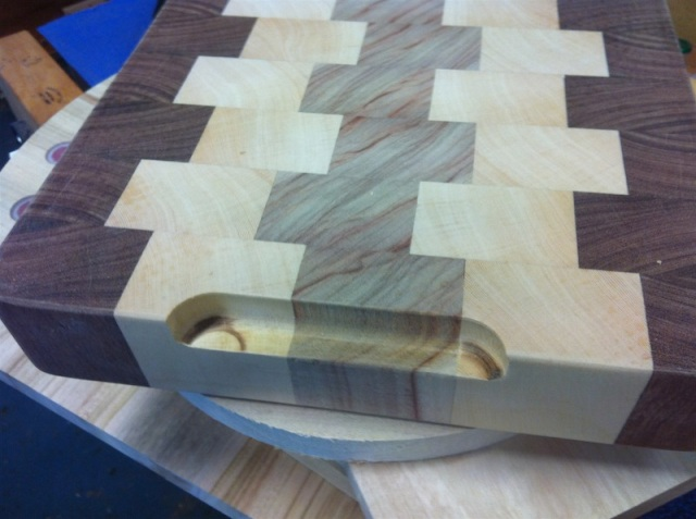 sweetlooking unique cutting boards. The end of the boards were then passed over bit to create recesses  End Grain Cutting Board LJ Class 006 12 Recessed handles by